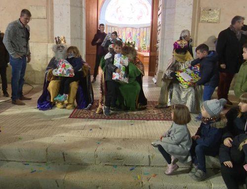 Els Reis Mags d'Orient van arribar carregats de regals a Deltebre